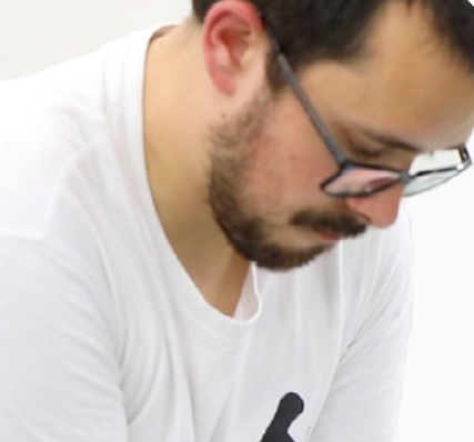 "Adrián G. <img src=""https://shiatsudo.com/wp-content/uploads/2020/06/espana-2.png"" width=""30"" height=""100"">"